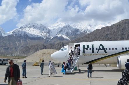 PIA flight landing in Skardu
